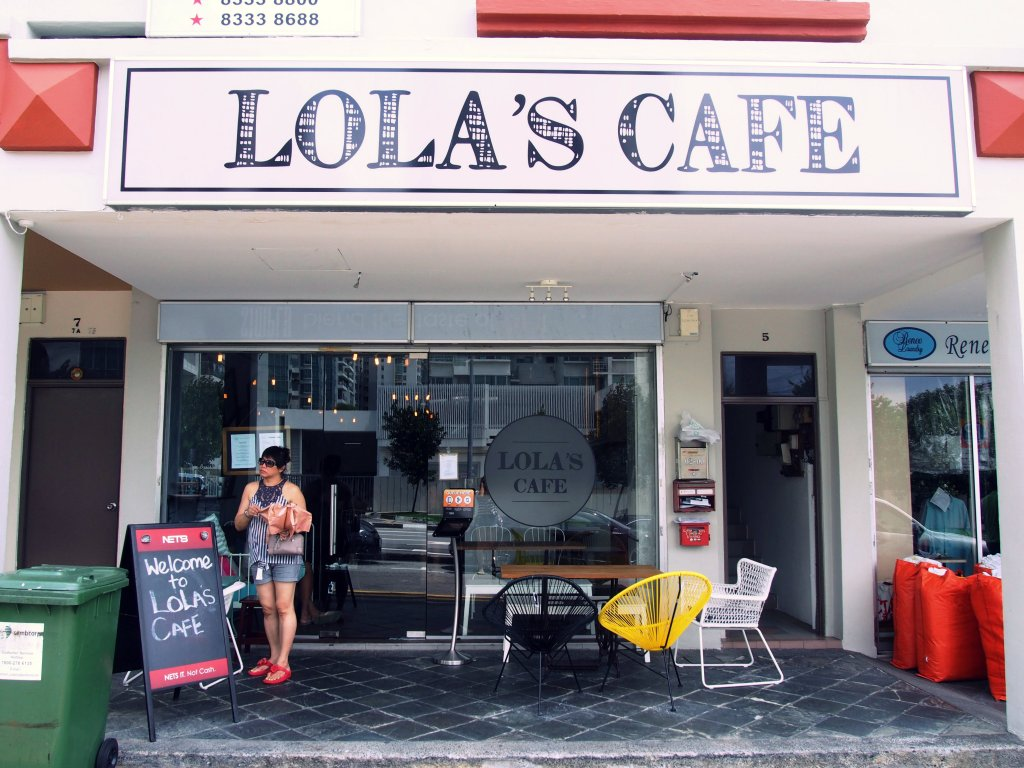 Lola's Cafe storefront. Credits to [weekendcheoks.wordpress.com] for this photo. Yet again, I forgot to take my own.