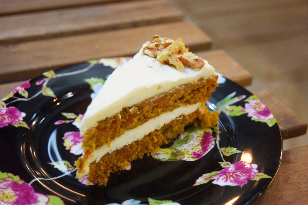 Carrot Cake ($6.90) This was quite nice as well. Great amount of cream cheese. You can even see the shredded carrots in the cake.