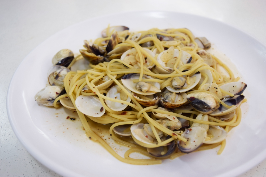 """Vongole ($7.90) Spaghetti, Live Clams, Garlic, White Wine, Butter Both my companion & I were extremely impressed with this dish. Just look at the amount of clams! My companion spoke to Chef Lim who mentioned that """"Since live clams are usually very cheap, we want to give our customer's their moneys worth."""" Very impressive, definitely puts a certain well-known pasta franchise to shame."""