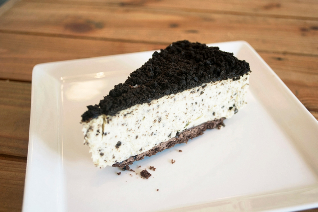 Oreo Cheesecake ($6.50) I had this on my second visit to Lowercase. Unfortunately, I didn't really like the cheesecake. It wasn't as smooth as it should be, it was sort of crumbly. Few of my friends gave it a try, one agreed with me, two mentioned that they actually thought it was good. So at the end of the day, it's all up to personal perference.