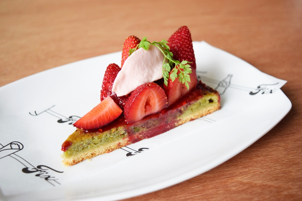Strawberry Pistachio Rose Tart ($6) Now their desserts are basically the whole reason I wanted to try FIX. Lemme mention again that they are handmade, so you won't find these desserts elsewhere. I just adored the tart, it tasted fantastic with hints of pistachio. The quantity of strawberries on top was superb as well & the whole presentation of the tart made it one of the most photogenic desserts you can find here. (Yay for Instagram.)