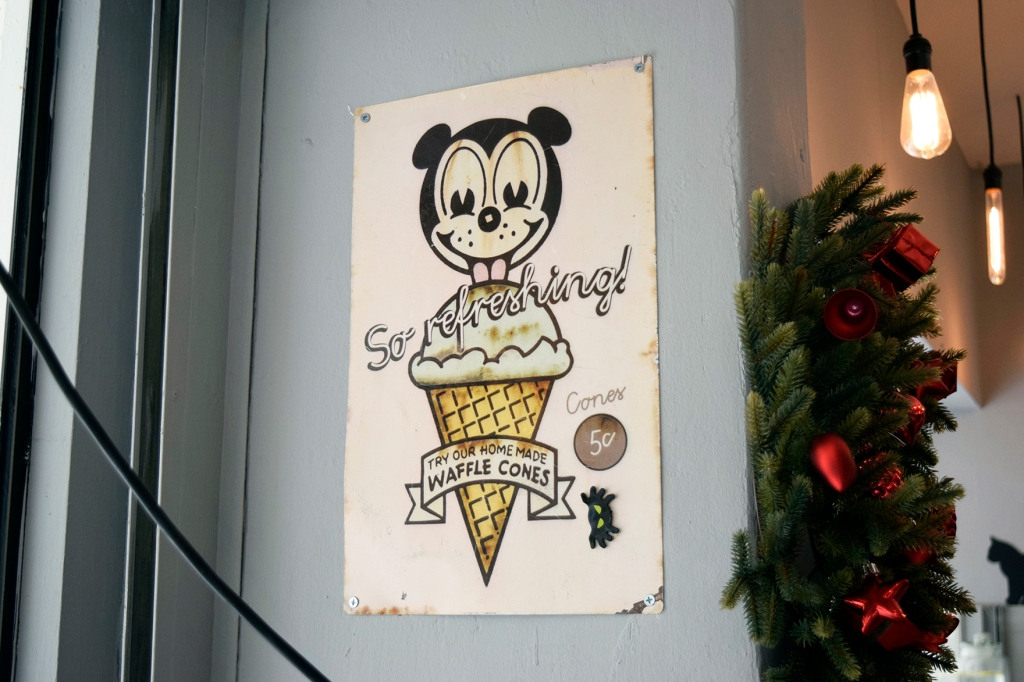 Vintage signs. It's Mickey!