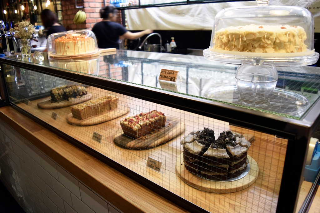 Lovely desserts at the counter. (Interestingly enough, most of these are from Maple & Market. Perhaps even ALL.)