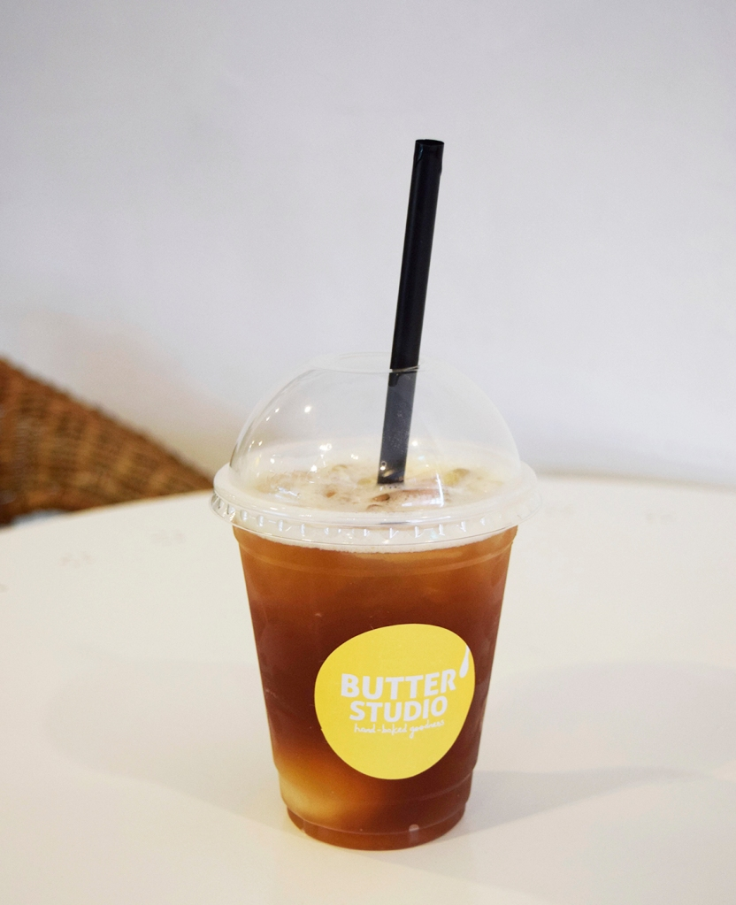 Lychee Mint Iced Tea ($6) One of my friends had this & though it was pretty nice. 6 bucks though... meh.
