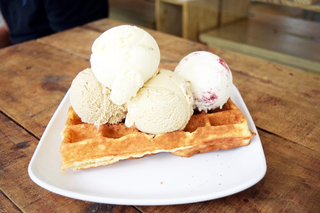 Waffle with ice-cream ($2.80 for waffle, around $10 for four scoops of ice-cream) Here we have Earl Grey, Nutty Beer, Bailey's Coffee & Red Velvet. If you've seen my previous ice-cream waffle reviews, I will usually order no less than three scoops of ice-cream. (Yes, I'm cray cray.) The waffle here is pretty alright. It's quite basic & not as fantastic as perhaps Rabbit Owl Depot. I did love the ice-cream flavours; Nutty Beer possibly being my favourite. Bailey's was awesome as well. (I notice that I have a thing for alcoholic ice-cream flavours, though I don't drink. Irony.)