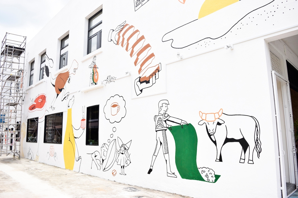 The side mural of Paddy. Great for all your OOTDs, selfies and whatnot.