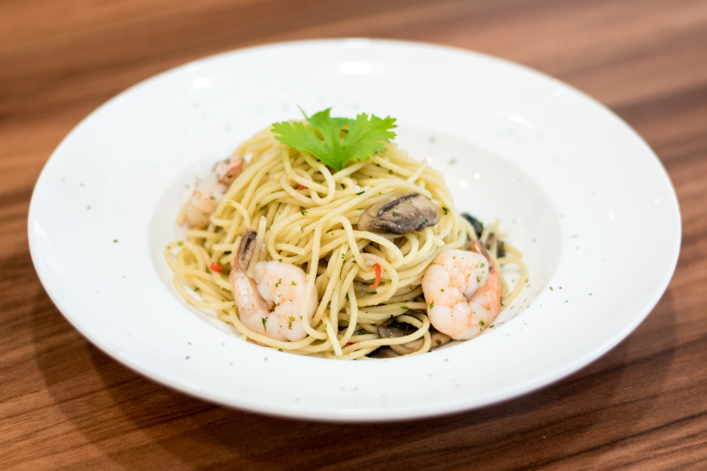 Prawn Aglio Olio ($8.90) Spaghetti, Prawns, Wild Mushrooms The Prawn Aglio Olio is pretty much a standard every where these days. (Just like dem truffle fries.) In any case, it's considered to be a chef's recommendation over here, so do give it a try.