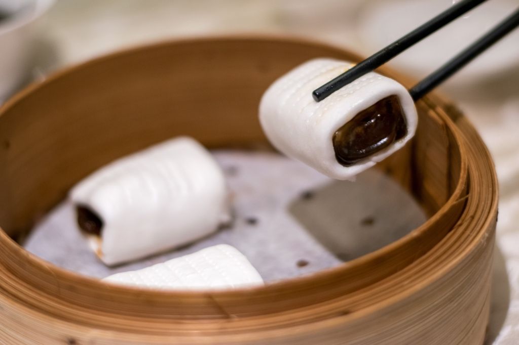 The pork belly meat & juices are contained within the roll with gelatin skin. Take one bite & all the delicious flavours will envelope your mouth.